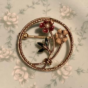 Vintage Round Floral Brooch Pin